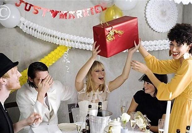 Поздравления на свадьбу оригинальные при вручении подарка