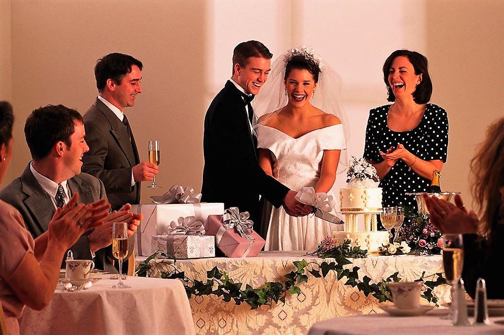 Как начать вручение подарков на свадьбе 57
